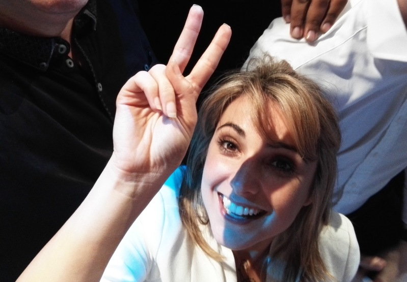NellieBell poses for a selfie at the Honor 7 launch party