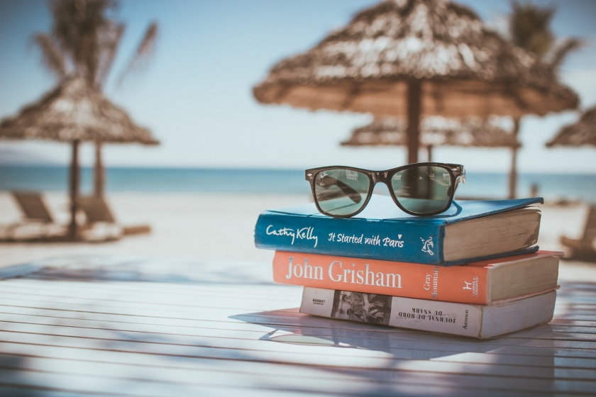 books-at-the-beach-unsplash
