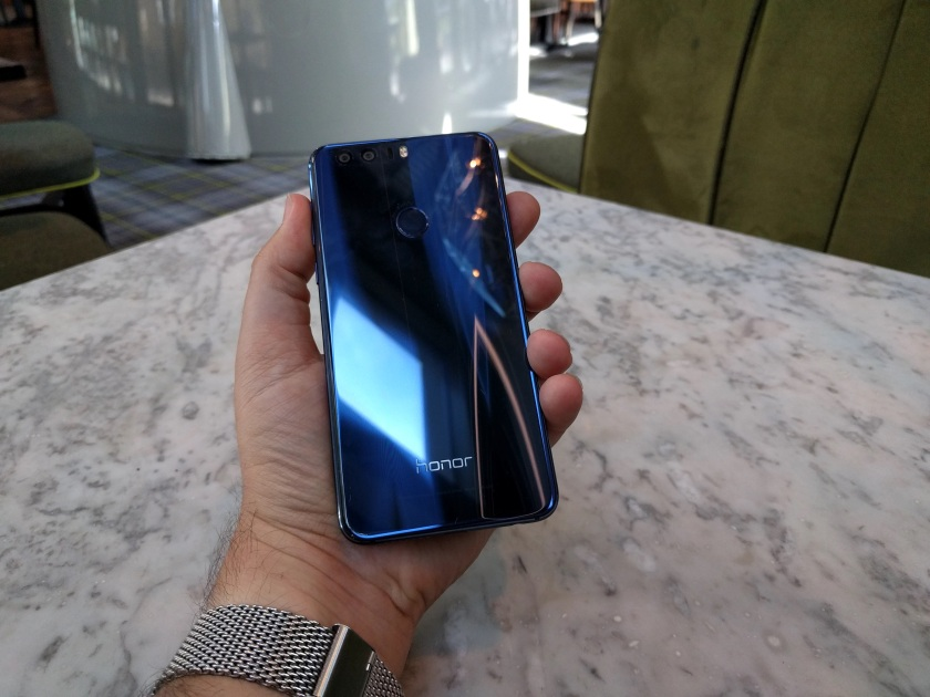 honor8-handset-11