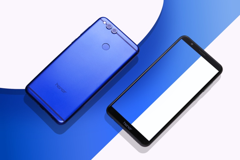 Lifestyle Honor 7X Blue A11.jpg